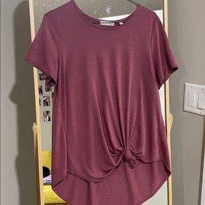 Dusty rose aritzia tee !!